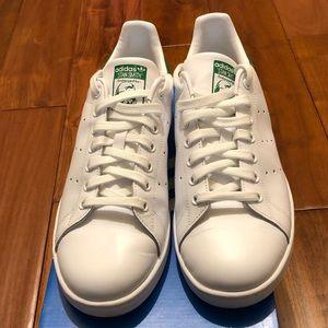 Stan Smith adidas size 9 like new